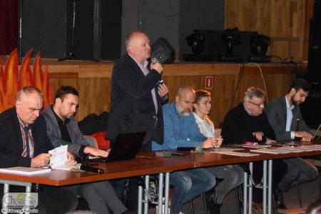 spotkanie włodarzy miasta z mieszkańcami w sprawie segregacji śmieci