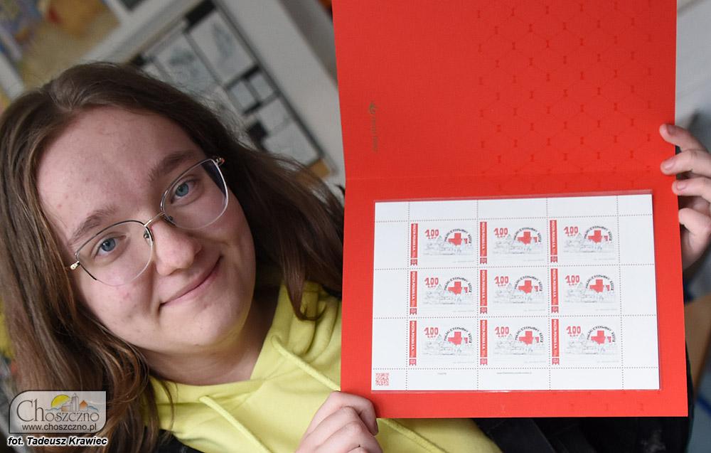 Adrianna Idziak prezentuje swój własny znaczek pocztowy