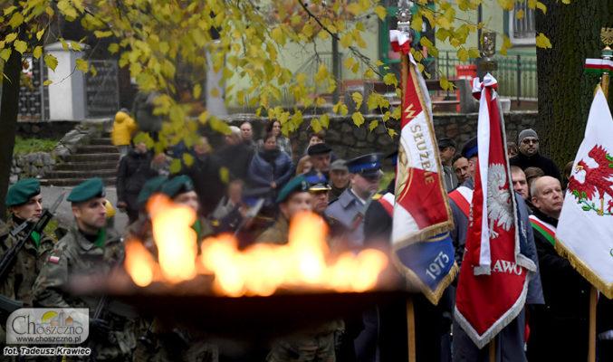 uczestnicy niepodległościowego capstrzyku