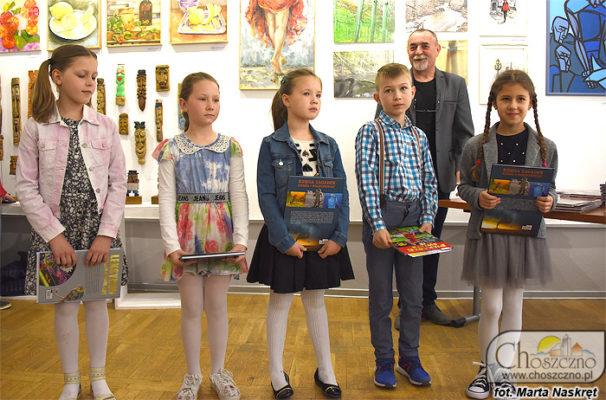 dzieci nagrodzone w konkursie plastycznym PARA