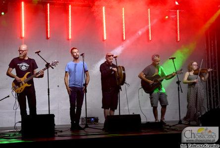zespół Stary Szmugler podczas koncertu szantowego