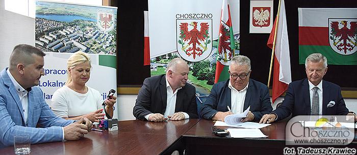 podpisanie umowy na ganty sołeckie