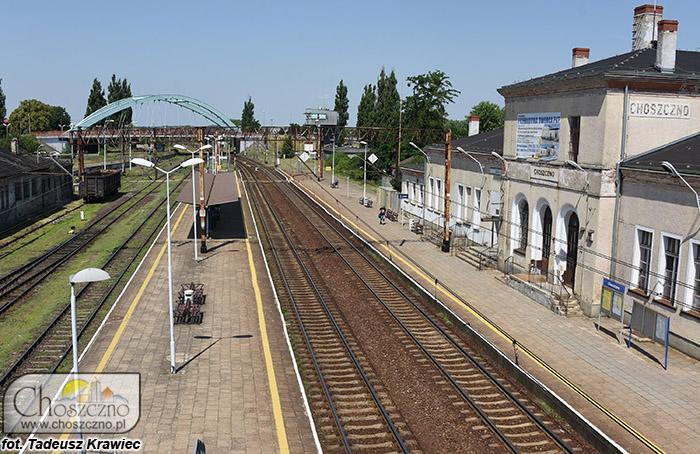tory kolejowe oraz dworzec
