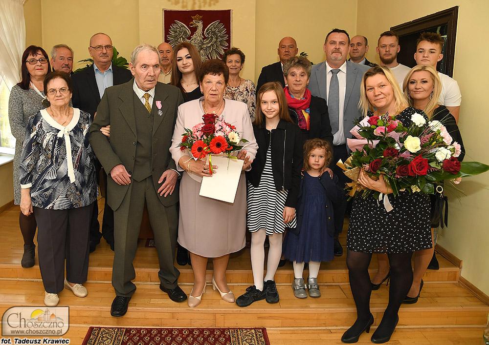 rodzina Letkomillerów podczas jubileuszu złotych godów