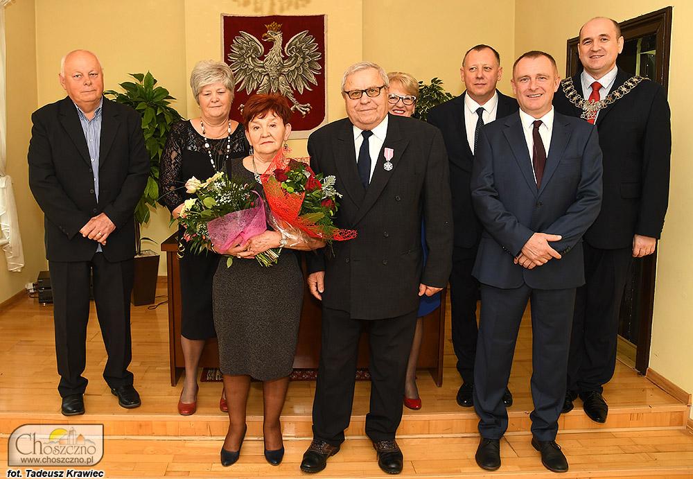 rodzina Aleksandy i Ryszarda Dyki na jubileuszu złotych godó