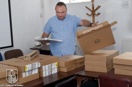 Nowe laptopy dla choszczeńskich szkół