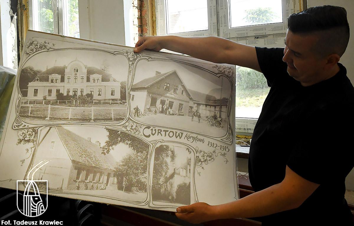 Tak wieś wyglądała 100 lat temu - mówi Piotr Sobierajski.