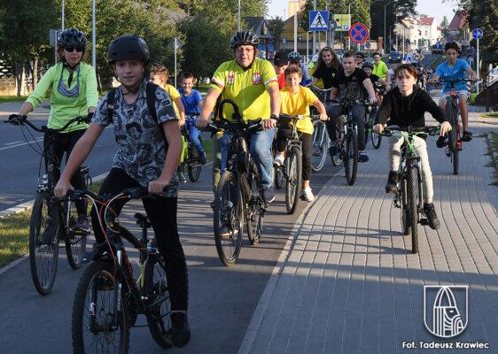 rowerzyści podczas Choszczeńskiego Dnia bez Samochodu